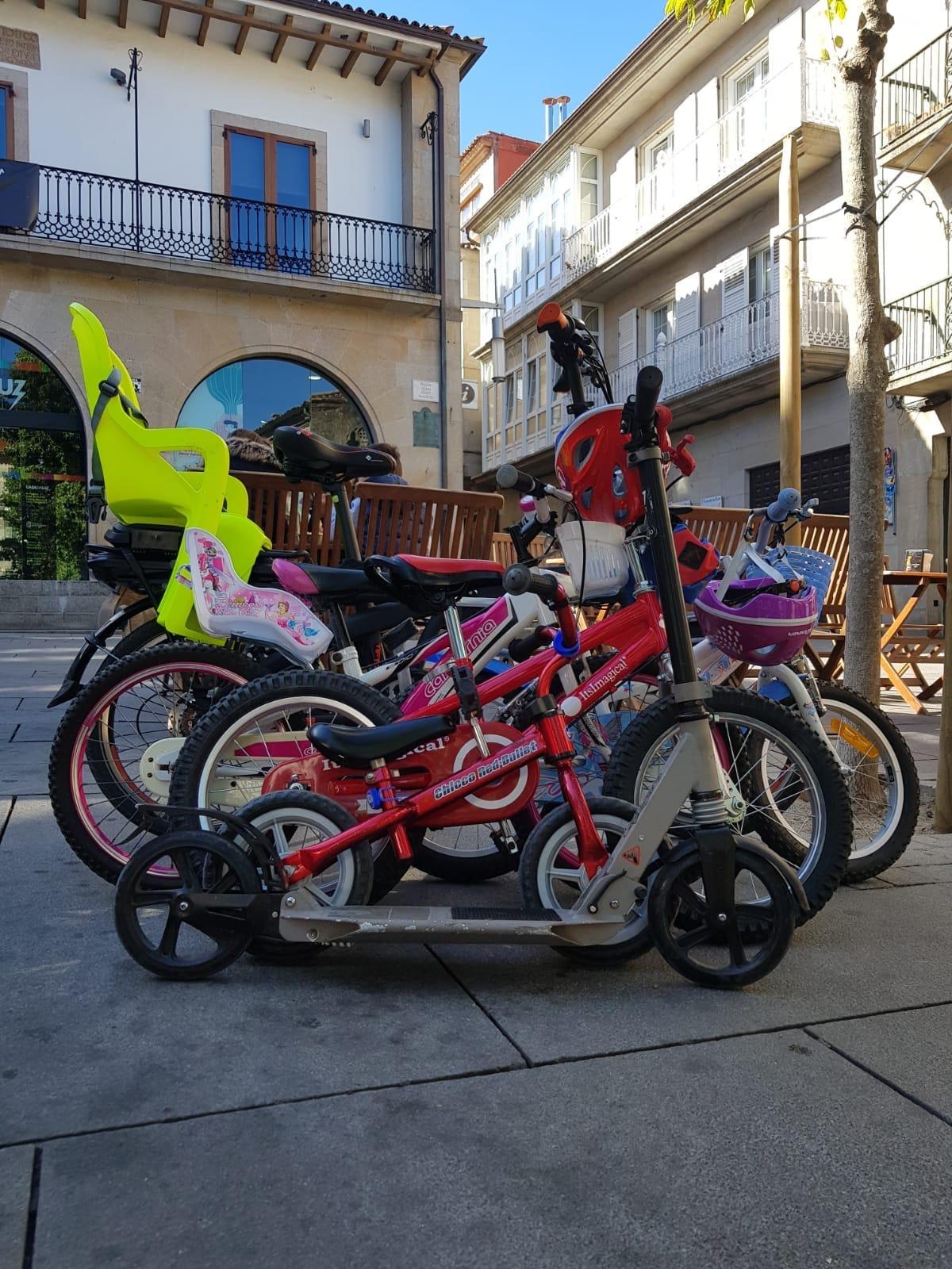 Los Vehículos de Pontevedra - Ángel Ogando Abeledo