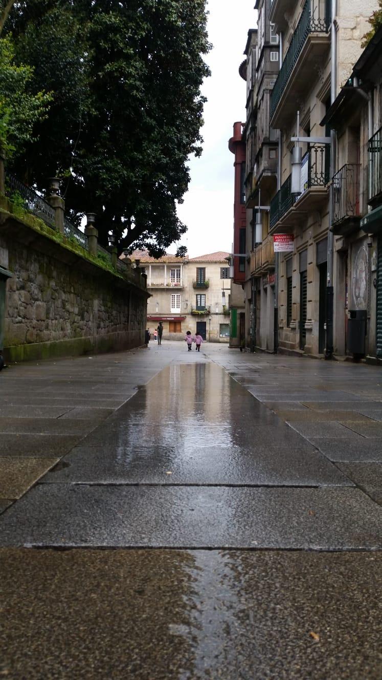 Niñas en Pontevedra - Ángel Ogando Abeledo